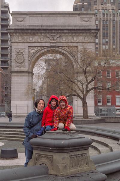 Chantal, Benjamin and Isabel at Washington Square Park