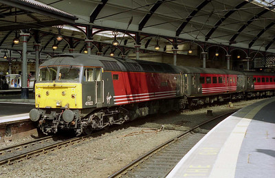 47822 'Pride of Shrewsbury' is seen at Newcastle with the SuO 1V68 1435 to Bristol Temple Meads (29/07/2001)