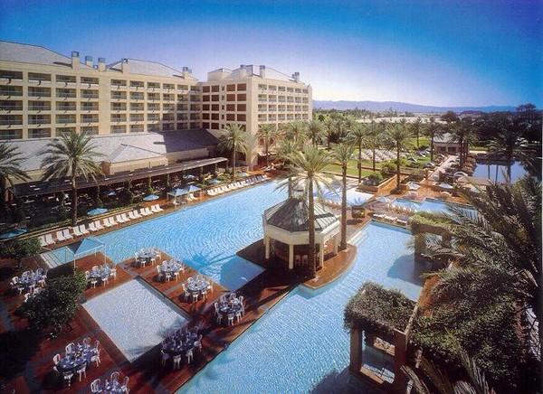 2001-Palm Desert_CA