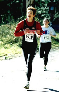 2002 Hatley Castle 8K - Wendy Davies with air