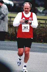2002 Pioneer 8K - Laurie Upton readies his camera