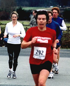 2002 Pioneer 8K - Wendy McBride leads Greg Marchand and 'Rubber Leggs' Rob Reid