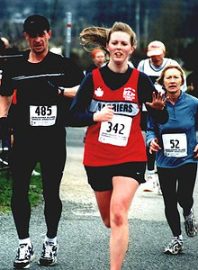 2002 Pioneer 8K - Niki Upton waves to the cheering throng at the finish