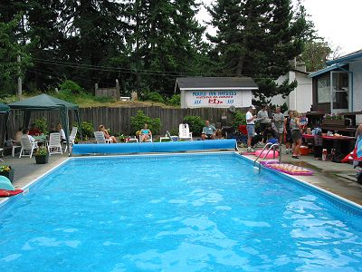 2002 Pool Party - The scene 1