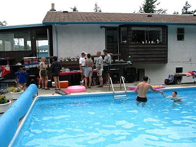 2002 Pool Party - The scene 2