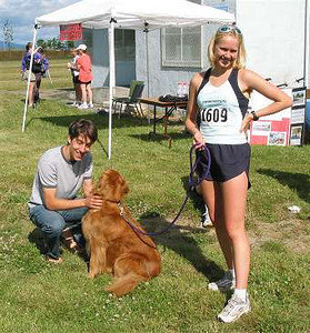 2002 Sidney Days 5K - Liz Ramage, Craig Babiuk and their little buddy