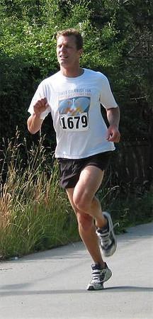 2002 Sidney Days 5K - John Greaves feels the pain