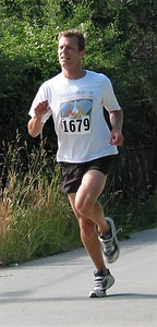 2002 Sidney Days 5K - John Greaves feels the pain