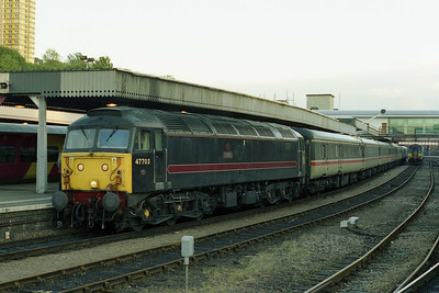47703 is seena agin on arrival at Sheffield with '1F48'. These trains remained loco-hauled until the Autumn of 2002 (when MML acquired some off-lease HSTs from Virgin) but this was unfortunately the only opportunity I had to sample them (24/05/2002)