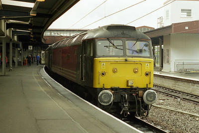 The end of an era... It was back in 1996 that a loco-hauled Cross Country turn to Newcastle re-appeared in the timetables, albeit only on a Sunday. 47843 'Vulcan' pauses at York with the last '47'-hauled SuO 1E26 0905 Birmingham-Newcastle (26/05/2002)