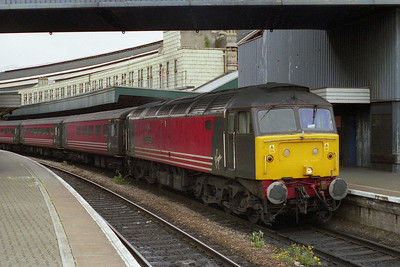 47812 'Pride of Eastleigh' awaits departure from Bristol Temple Meads with 1E33 1210 to Newcastle (20/05/2002)