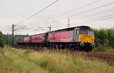 Some of the regulars give me a 'bellow' as 47805 'Pride of Toton' climbs past the site of Lofthouse Colliery at Outwoood with 1S41 1040 Plymouth-Edinburgh in place of the booked HST (11/08/2002)