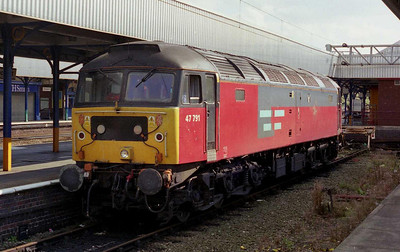 47791 is pictured in the bay at Stockport prior to working forward on 1F17 1252 Milton Keynes-Liverpool. An amended timetable was in operation due to weekend engineering work (08/09/2002)
