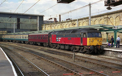 Later that afternoon, 47781 is seen waiting to depart from Carlisle with 1Z41 1531 return to West Ruislip via the 'S&C' (24/08/2002)