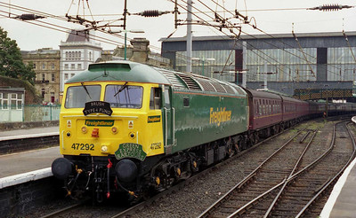 With its green paint barely dry, 47292 is pictured on arrival at Carlisle with 1Z60. There was something a little bit surreal about the appearance of 'o' on an ordinary charter in the 21st Century (10/08/2002)