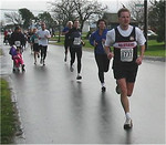 2003 Bazan Bay 5K - Mike Abernethy chased by some speedy women