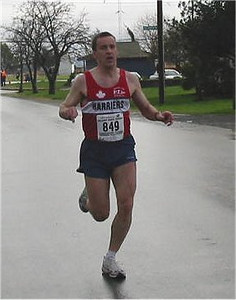 2003 Bazan Bay 5K - Tim Tanton looking a bit wobbly!