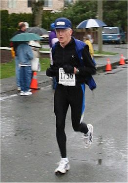 2003 Comox Valley Half Marathon - Bill McMillan shows good form
