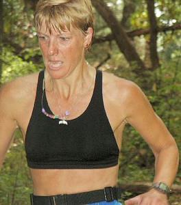 2003 Gutbuster Mount Doug - Peninsula Plodder Debbie London showing INCREDIBLE determination