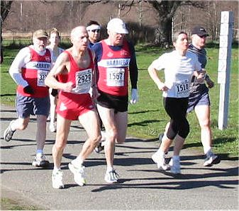 2003 Hatley Castle 8K - Brian Turner and Phil Cornforth in heavy traffic