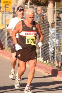 2003 Las Vegas Half Marathon - Runners braved severe dust and headwinds up to 80 km/h
