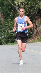 2003 Sooke River 10K - Todd Howard trying to chase him down