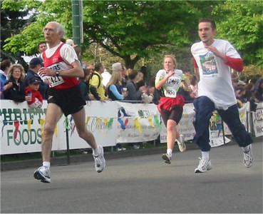 2003 Times-Colonist 10K - Maurice Tarrant and two pursuers, all with full air!