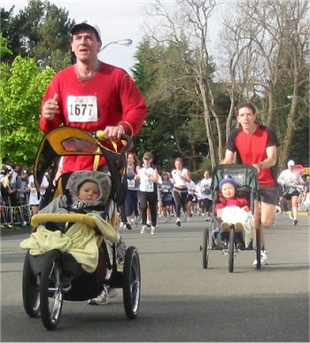 2003 Times-Colonist 10K - Baby jogger battle led by Graham Kehoe