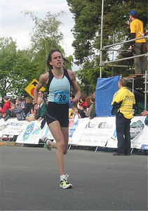 2003 Times-Colonist 10K - Nancy Tinari's finish