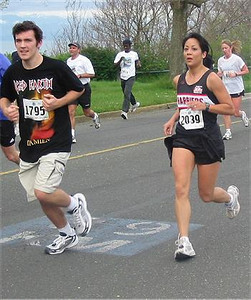 2003 Times-Colonist 10K - ...after getting away from the guy with the scary t-shirt!