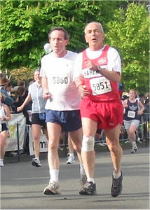 2003 Times-Colonist 10K - Graeme and Robert on the course