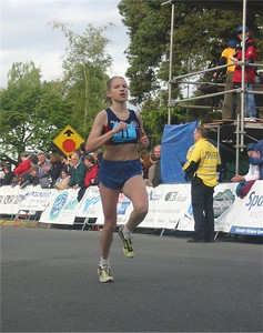 2003 Times-Colonist 10K - Stephanie Mills was the fourth woman overall in 35:55