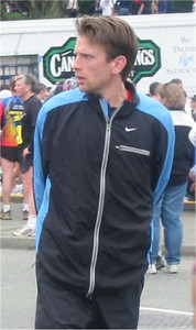 2003 Vancouver Sun Run - 2nd overall, top Canadian Jeff Schiebler