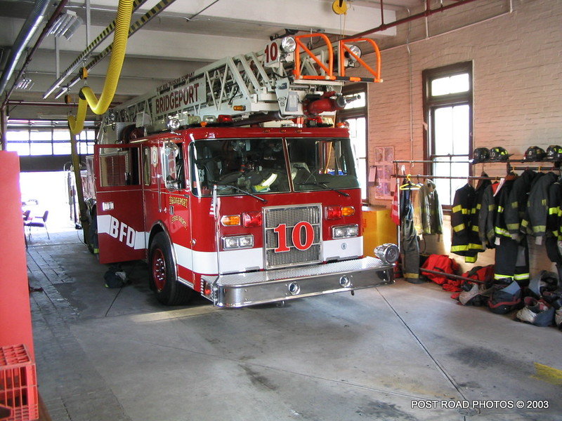 20030714-bridgeport-connecticut-fire-department-ladder-10-putnam-street