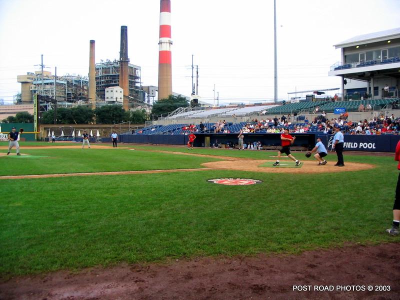 20030810-bridgeport-ct-fire-department-softball-game-harbor-yard-009
