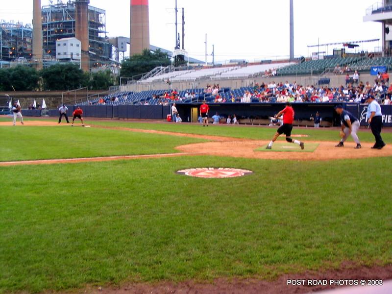 20030810-bridgeport-ct-fire-department-softball-game-harbor-yard-011