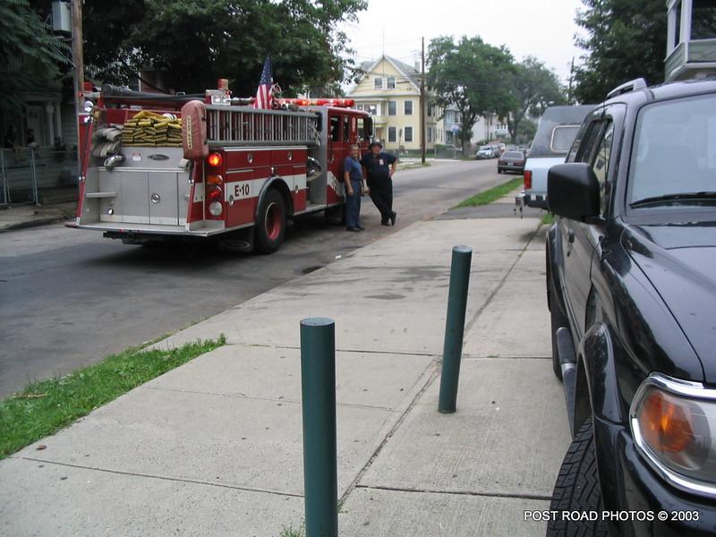 20030801-bridgeport-fire-department-engine-10-mens-from-tens-004
