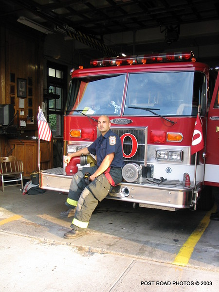 20030714-bridgeport-connecticut-fire-department-ladder-10-putnam-street-006