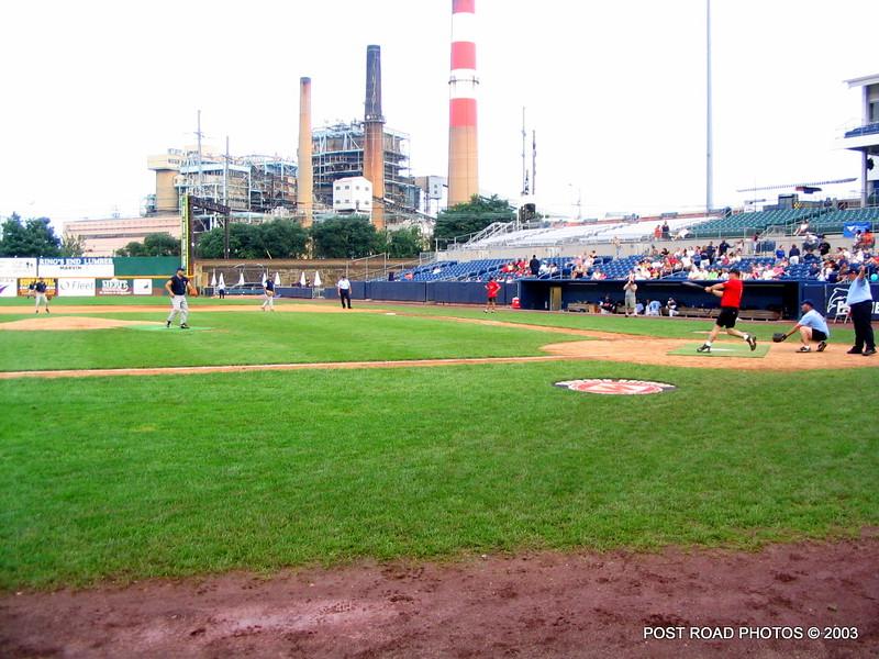 20030810-bridgeport-ct-fire-department-softball-game-harbor-yard-010
