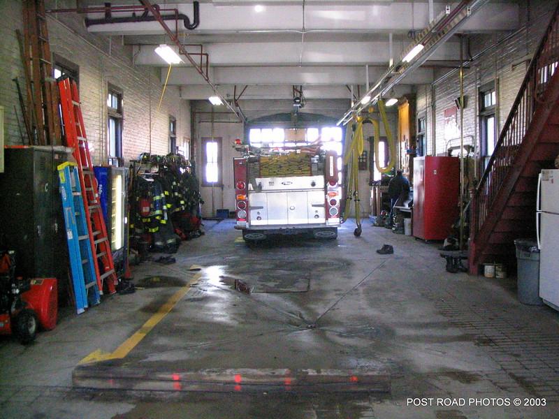 20031212-bridgeport-fire-department-camp-putnam-firehouse-002