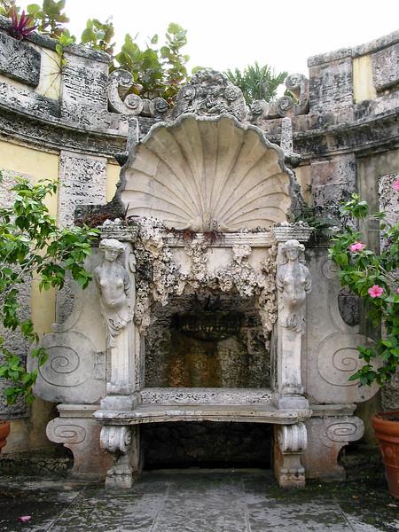 Vizcaya, Secret Garden, seat