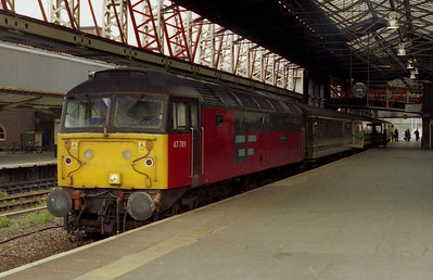 47789 'Lindisfarne' calls at Chester with 1G95 0648 Holyhead-Crewe (19/04/2003)