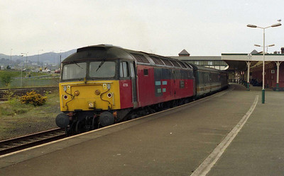 47756 'Royal Mail Tyneside' departs Llandudno Junction with 1G11 1400 Holyhead-Birmingham New Street (11/04/2003)