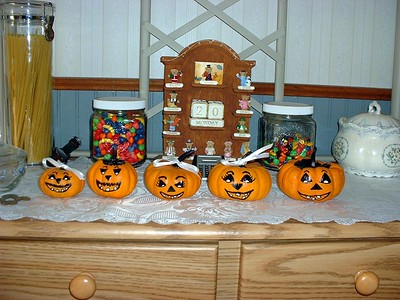 GrandPumpkins on rack faces 2