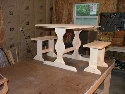 Kids table and benches 2