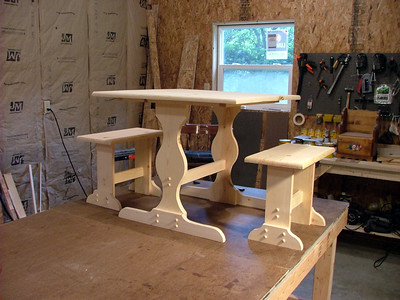Kids table and benches 3