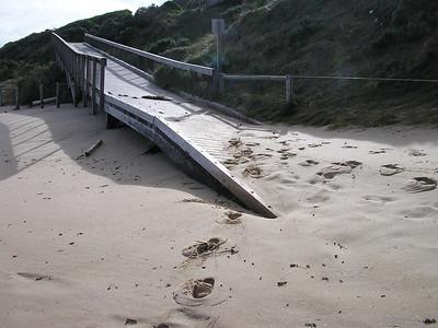 1 Jul 2004 Portsea SLSC Clubhouse & Back Beach