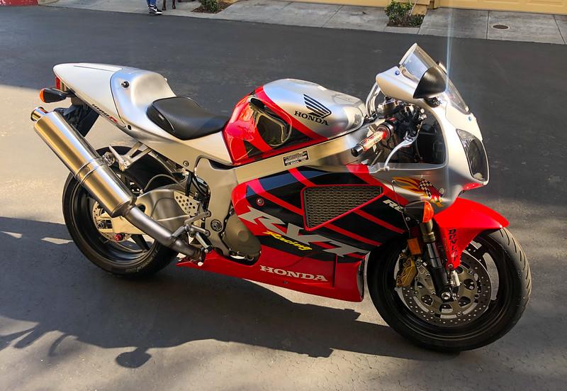 Honda RC51 (AJ) -  (1)