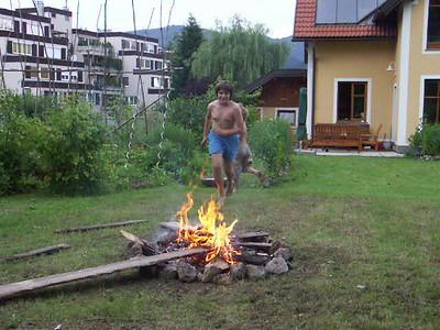 2004-06-27 Garten und Lagerfeuer