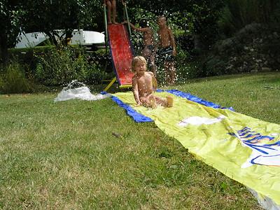 2004-08-24 Wasserutsche